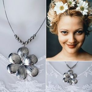 90's Flower Power Necklace